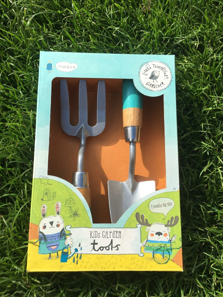 natural history museum fork and trowel set kids garden tools summer garden toys under £20 natural history museum review