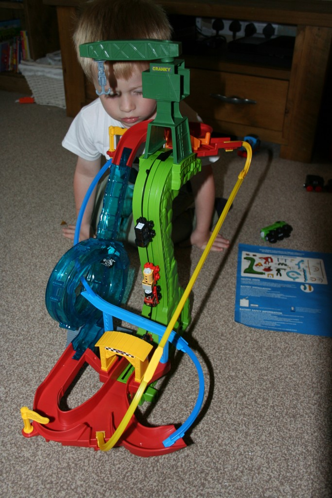 Thomas And Friends Minis Motorised Raceway review all set up and in motion