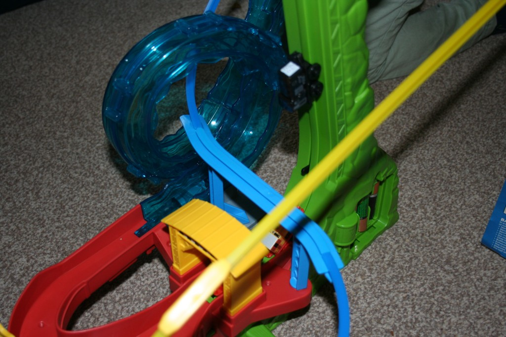 Thomas And Friends Minis Motorised Raceway review water loop