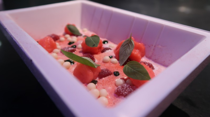 streetxo-mayfair-london-restaurant-david-munoz-spiced-strawberry-dessert-white-chocolate-sponge-cake
