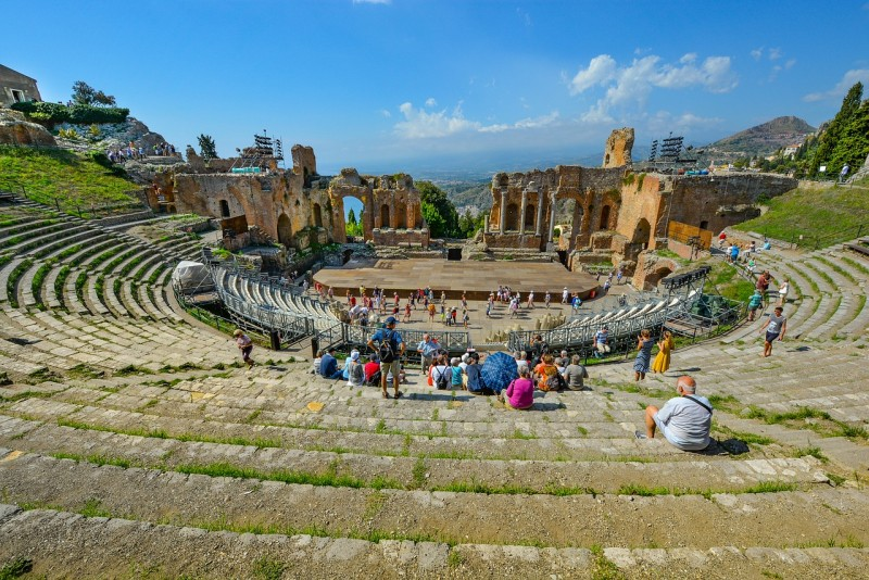 the-greek-theatre-ancient-taormina-sicily-italy-mount-etna