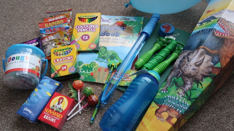 kiddicone filled review dinosaurs Schultüte german tradition kids first day at school gifts contents