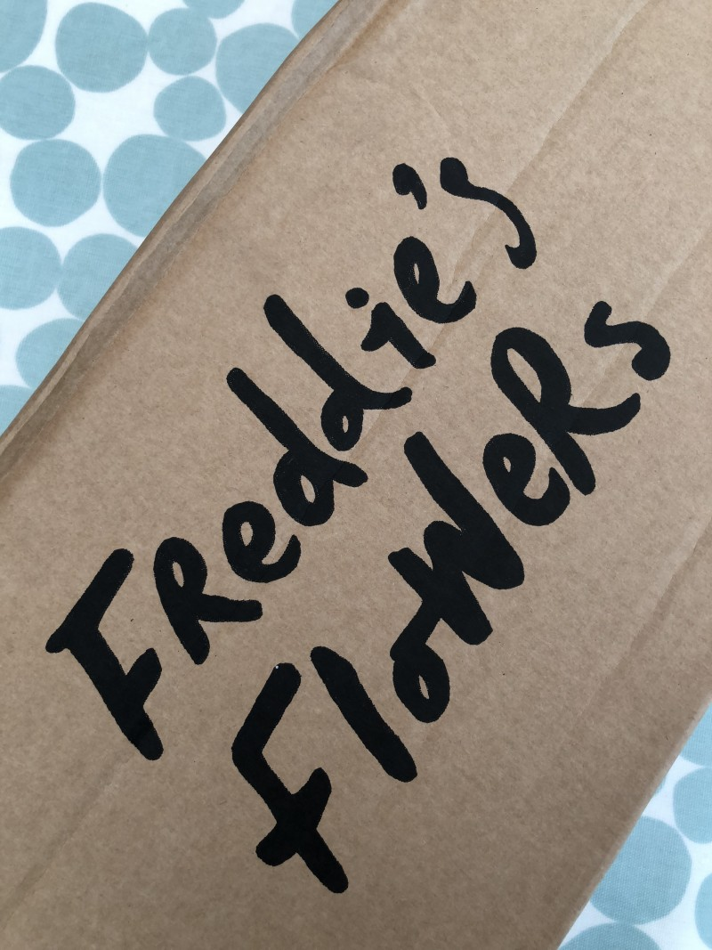 Review Freddie's Flowers Subscription + Discount Code boxing delivery packaging