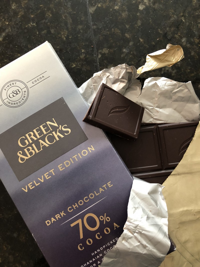 degustabox review september 2017 products inside green & black's velvet edition dark chocolate