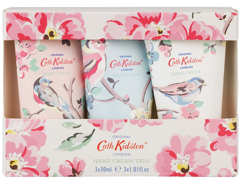 Screen Shot 2017-11-28 at 20.36.2raising the rings christmas bonanza 30 days of giveaways win your presents apples and pips review cath kidston and cream trio