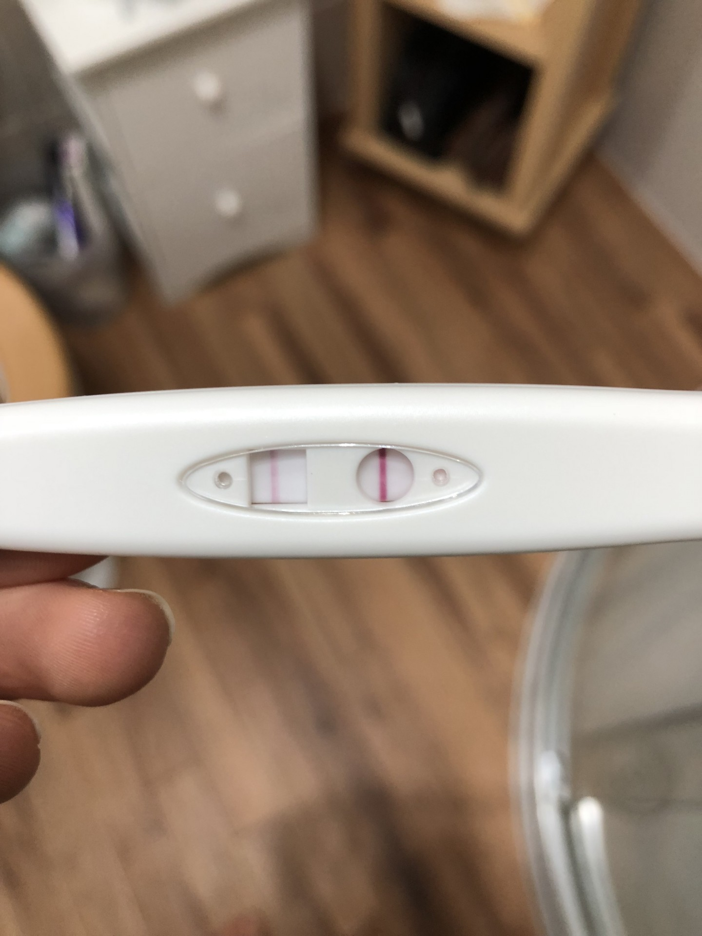 the brookfield lining raising the rings pregnancy test not sure if negative or positive how can I tell clear positive test