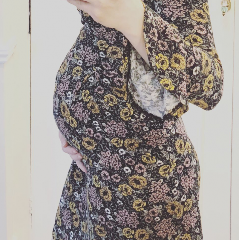 raisingtherings pregnancy why you don't need to spend £100s on maternity wear toyshop floral tea dress