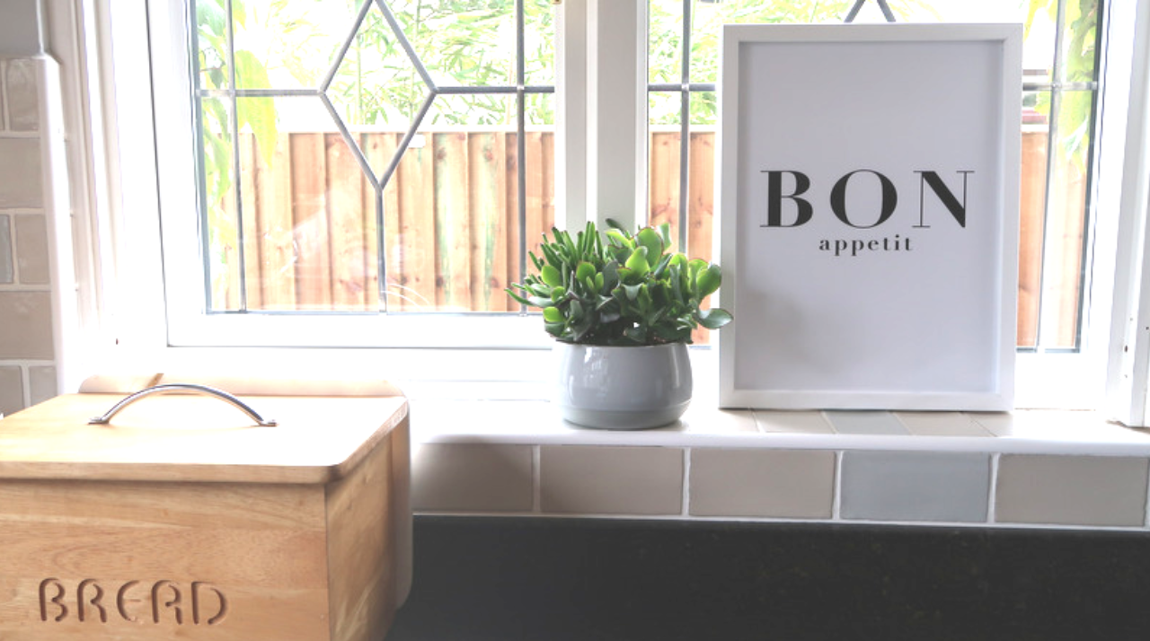 making our house a home with posterlounge prints and art review bread bin bon appetit print kitchen