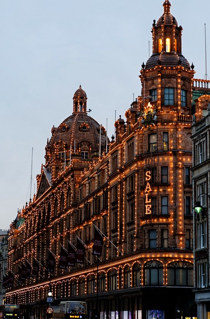 travel things to do in london on a budget with kids harrods sale christmas lights toy kingdom