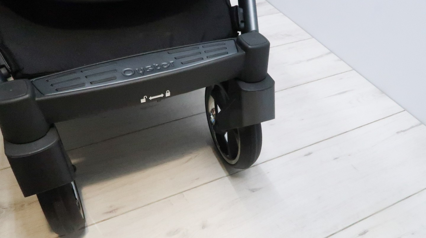 babystyle oyster 3 pushchair review front wheels lock mechanism